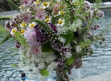 Bride's 'just-picked' flowers