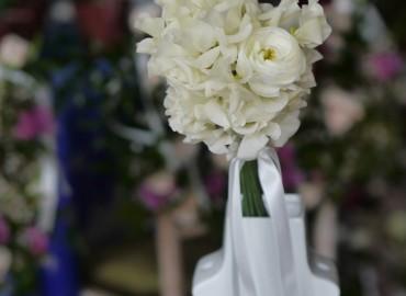 Flower girl sweetpea and ranunculus posie
