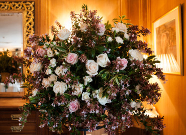 Large pedestal flowers
