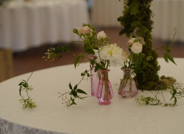 Seating table flowers