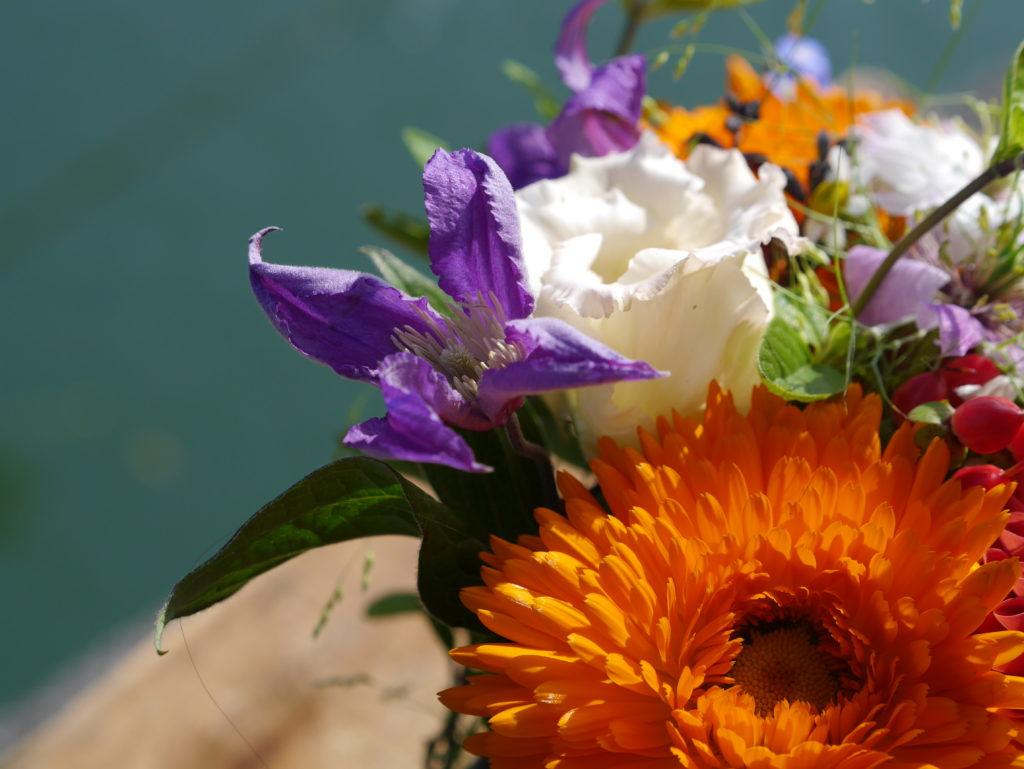 Bouquet detail orange purple