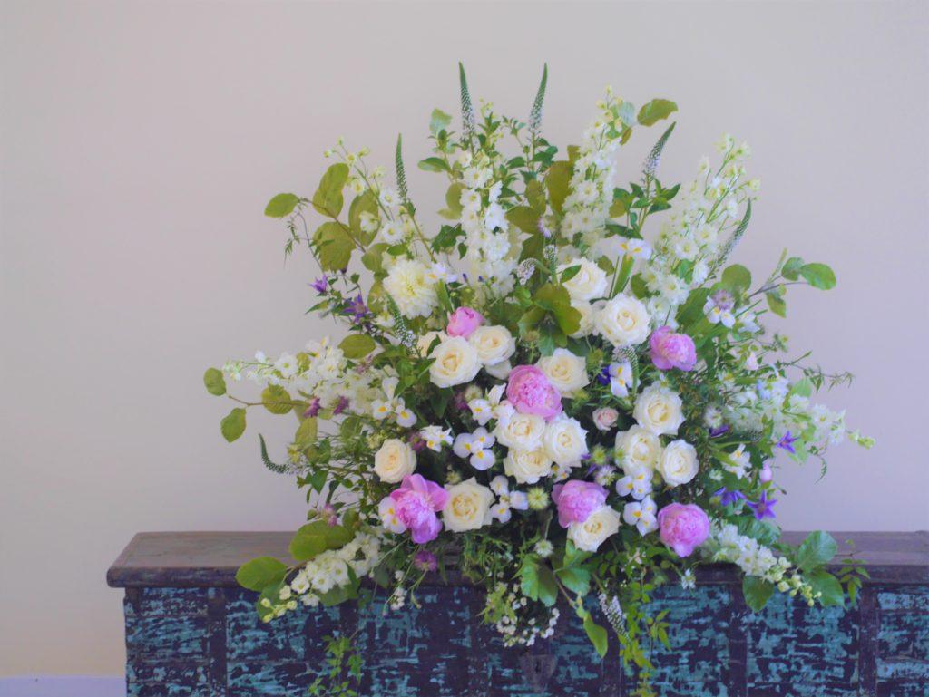 Ceremony pedestal flowers
